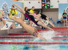 Zawody w pływaniu