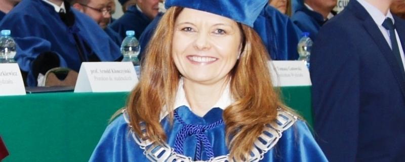 dr hab. Monika Bąk