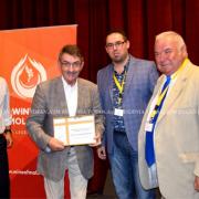 Prof. Błażejowski odbiera dyplom, Foto: Eugenia Tofan ASM