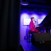 Muzyczna uczta islandzkiej artystki Rauður, fot. Szymon Cieślak