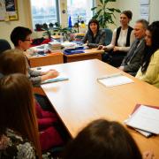 Dyskusja naukowców i studentów